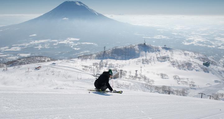 2015,纳丽德邀您跟@紫笛依扬 一起去北海道滑雪
